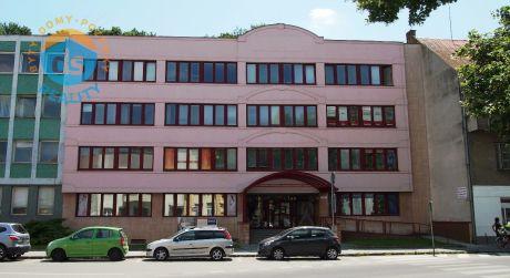 Na predaj polyfunkčný objekt, 1067 m2, Trenčín, centrum.