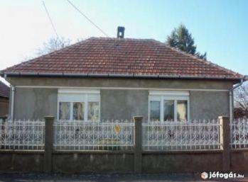 Predáme rodinný dom v Maďarsku vo Forró