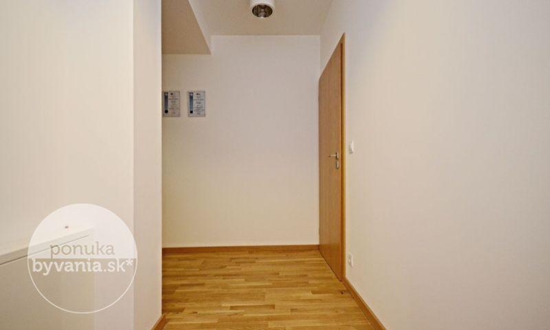 ponukabyvania.sk_Strážnická_3-izbový-byt_archív