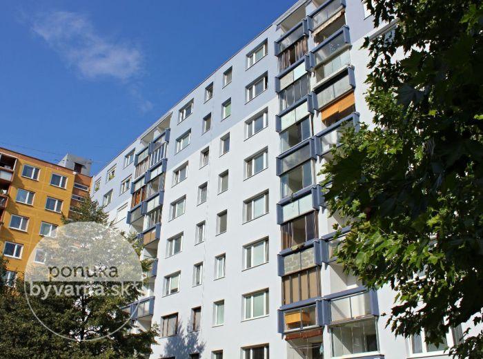 PREDANÉ - IVANA BUKOVČANA, 2-i byt, 51 m2 – čiastočne zrekonštruovaný byt S LOGGIOU, v obľúbenej lokalite, ZATEPLENIE A NOVÁ FASÁDA v r. 2014