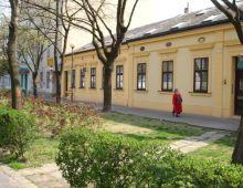 Prenájom, Radlinského ulica, Bratislava Staré mesto, priestory so záhradou,vhodné na kaviarieň.