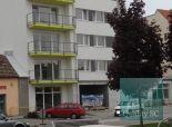 PREDANÉ - NA PREDAJ 3 izbový byt s dvoma balkónmi priamo v centre - Mierové námestie v Senci
