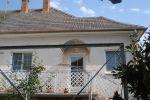 Na predaj komplet zrekonš. RD 3+1+krásna záhrada, 567 m2,  Staré Piešťany