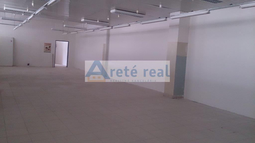 Areté real, Prenájom obchodných priestorov priamo v centre mesta Pezinok