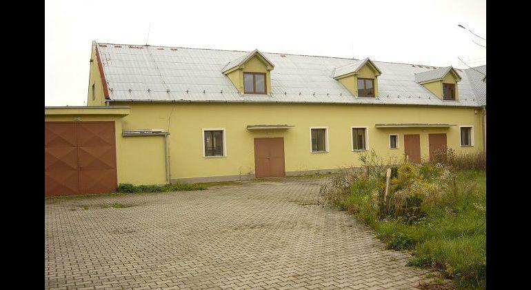 Prenájom polyfunkčného objektu v obci Trenčianske Stankovce, časť Rozvadze