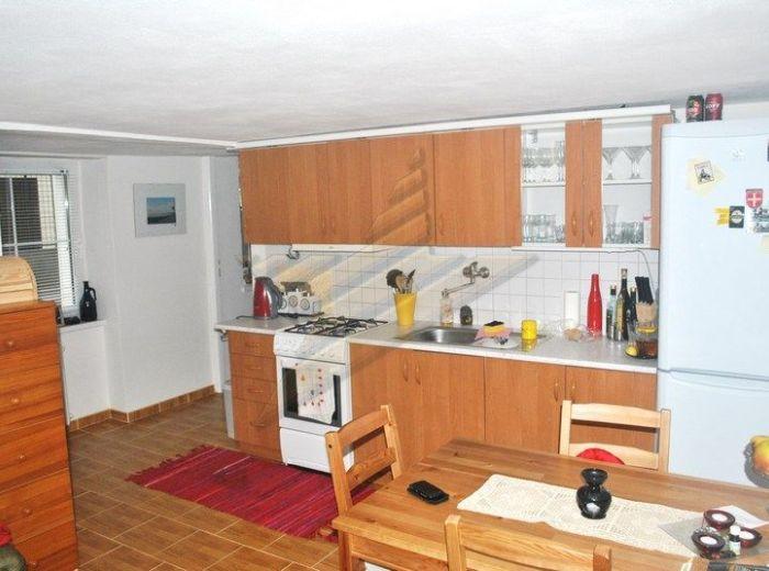PRENAJATÉ - PIONIERSKA, 2-i byt, 60 m2 - prenájom samostatného bytu v RODINNOM DOME S PARKOVACÍM MIESTOM