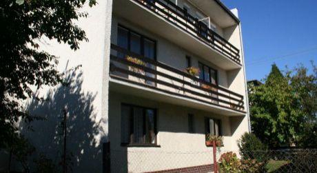 Predaj 3-podlažného rodinného domu v Kováčovej.