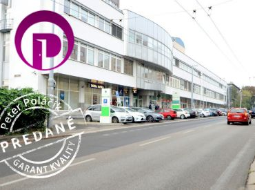 PREDANÉ - Stromová ul. - KRAMÁRE, BA III, parkovacie miesto 12 m2, vstupy zo Stromovej a Uhrovej ulice