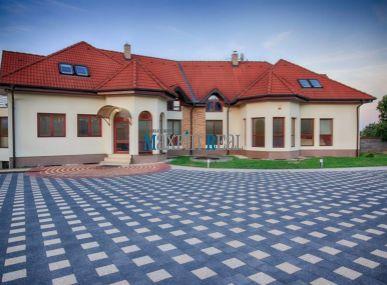 MAXFIN REAL - Luxusná zariadená vila
