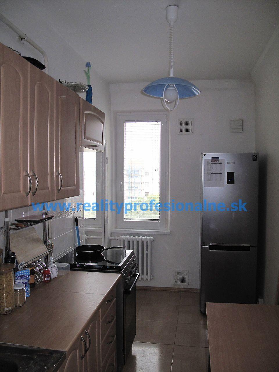 PREDANÉ ZA 6 DNI: 1,5 izbový byt, Bratislava - Ružinov, predaj slnečného bytu vo výbornej lokalite
