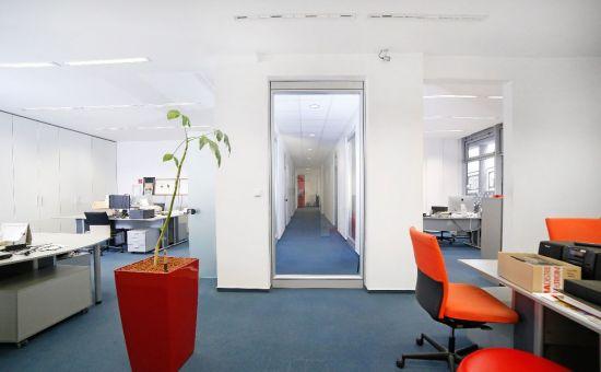 PREDAJ exkluzívnych obchodno-kancelárskych priestorov v centre mesta, Zámocká