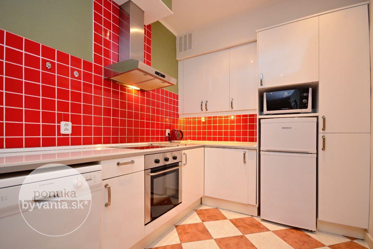 ponukabyvania.sk_Laurinská_2-izbový-byt_archív