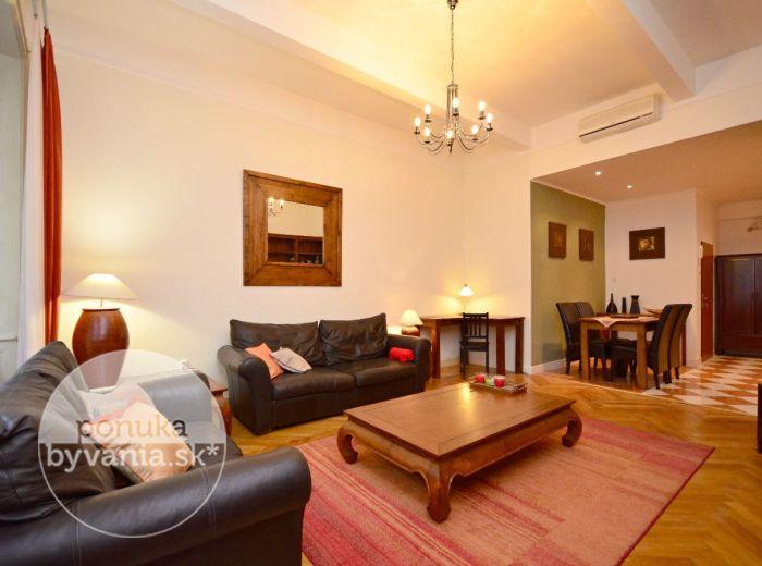 PRENAJATÉ - LAURINSKÁ, 2-i byt, 68 m2 – reprezentatívne bývanie s NÁDYCHOM HISTÓRIE, krásne KOMPLETNE zariadený, v srdci Starého Mesta