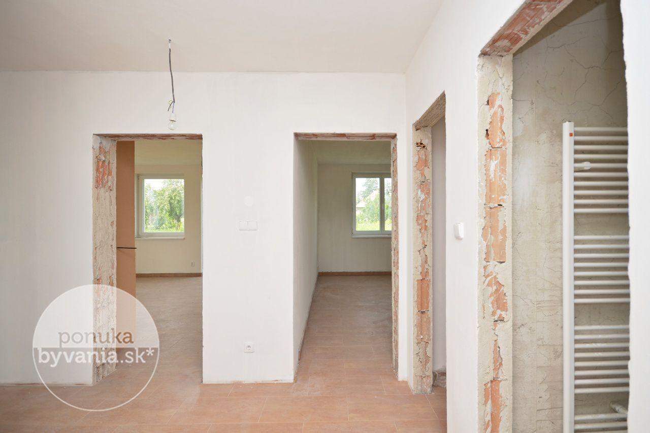 ponukabyvania.sk_Kaštieľska_Rodinný-dom_archív
