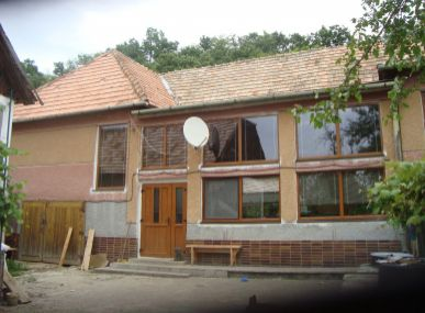 MAXFIN REAL - ZNÍŽENÁ CENA ! -na predaj rodinná farma v Dolnej Strehovej.