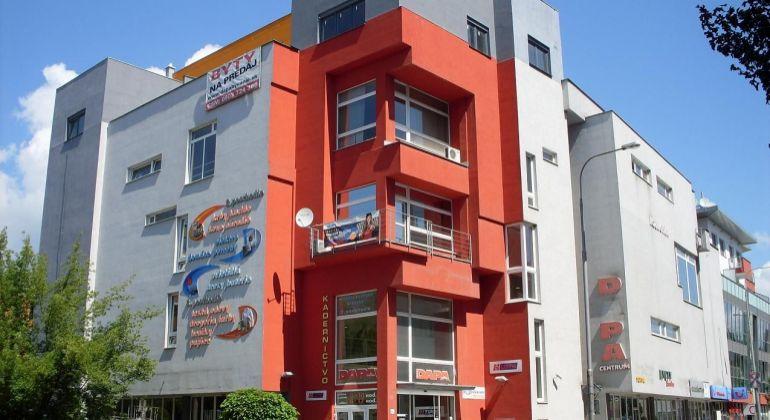 Na predaj polyfunkčný objekt v centre Trenčína, ulica Legionárska