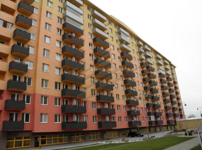 PREDANÉ - VYŠEHRADSKÁ, 2,5-i byt, 84 m2 – svetlý, nadštandardnej rozlohy v NOVOSTAVBE