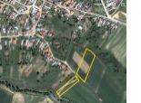 Ponúkame Vám na predaj pozemok v obci Jovice