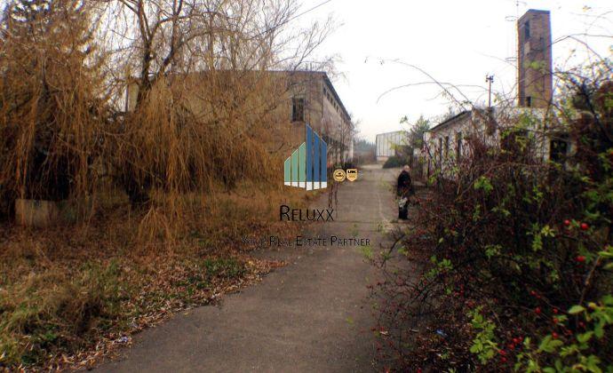 Pezinok Grinava predaj administratívno skladového areálu s pozemkom o výmere 8 593 m2