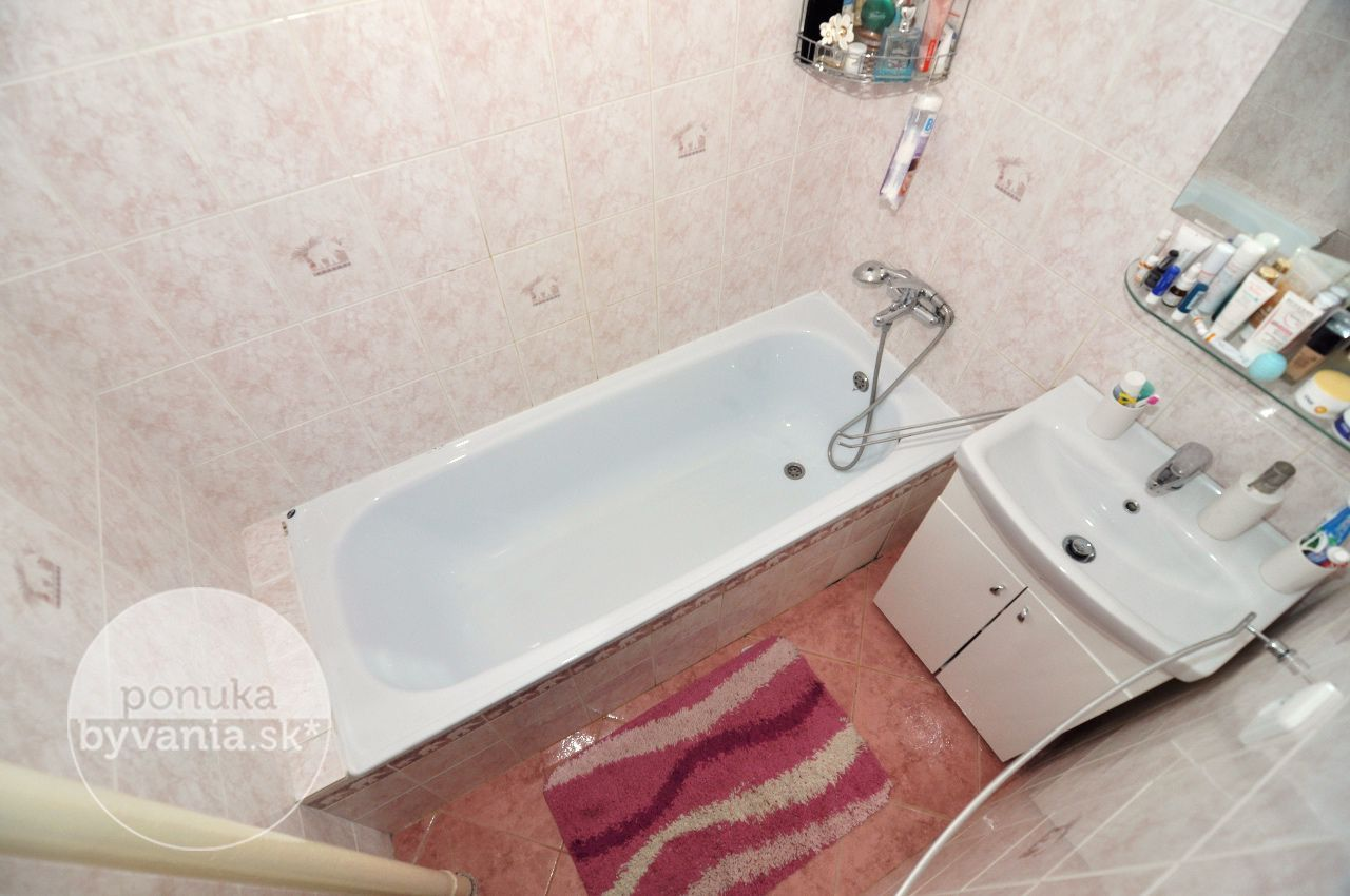 ponukabyvania.sk_Sklenárova_2-izbový-byt_archív