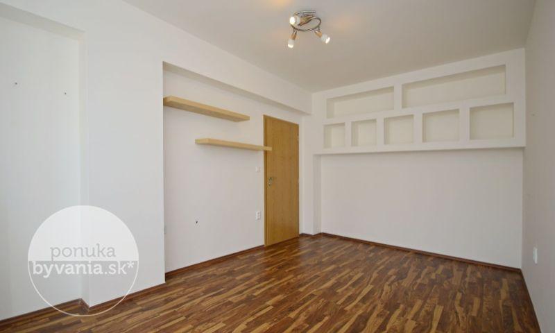 ponukabyvania.sk_Silvánová_2-izbový-byt_archív