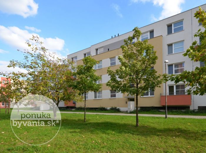 PREDANÉ - PEZINOK, 2-i byt, 56 m2 – krásny tehlový byt v nízkopodlažnej NOVOSTAVBE s výťahom, balkón, MODERNÁ DISPOZÍCIA