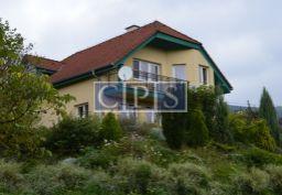 PREDAJ, krásné 2 RD v obci  Jedľové Kostoľany, úpätie Tríbečských vrchov, veľmi dobrá investičná príležitosť.