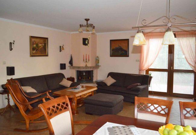 Ponúkame na predaj 6 izb. RD Nitra Čermáň ( 076-12-MAB )