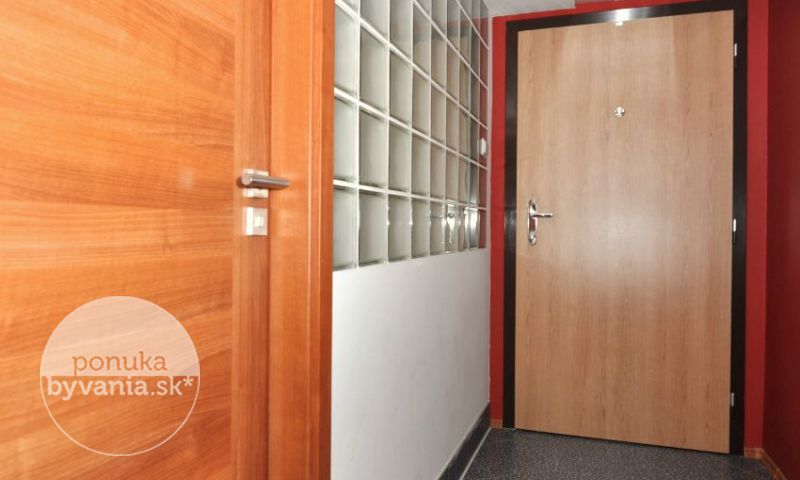 ponukabyvania.sk_Hálova_3-izbový-byt_archív