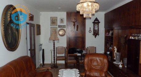 Na predaj 3 izb. byt ( uzat. lóggia, 2 balkóny, garáž, vlastné park.miesto ) Piešťany, Javorová