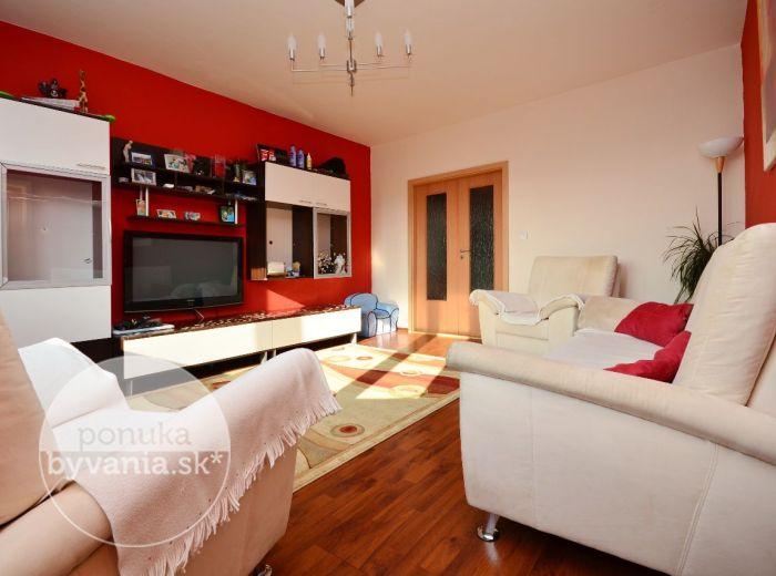 PREDANÉ - BUDATÍNSKA, 4-i byt, 92 m2 - priestranný KOMPLETNE zrekonštruovaný byt, klimatizácia, kuchyňa so vstavanými spotrebičmi, ZASKLENÁ LOGGIA