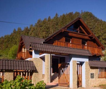 Rodinná chata/penziónik v krásnom prostredí Liptova