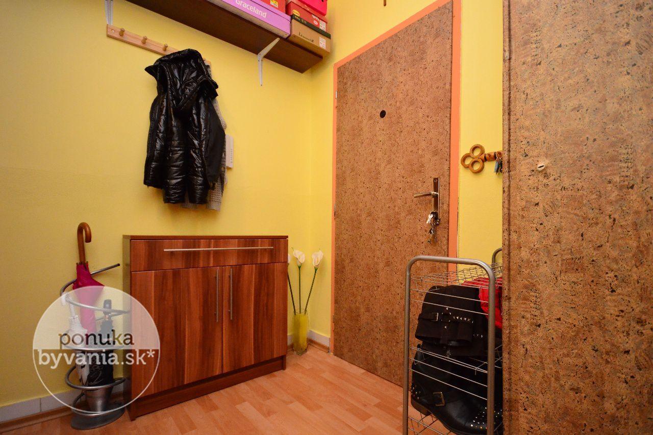 ponukabyvania.sk_Bučinová_1-izbový-byt_archív