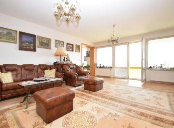 Veľký 4 izb. byt /160 m2 + 2 garážové miesta / Piešťany