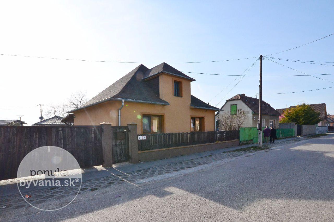 ponukabyvania.sk_Zámočnícka_Rodinný-dom_KOVÁČ