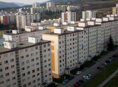 MAXFIN REAL - hľadáme pre klienta 1 izbový byt v Dudinciach.