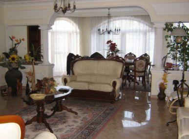 Maxfin Real - ponúka na predaj luxusnú vilu v Sládkovičove