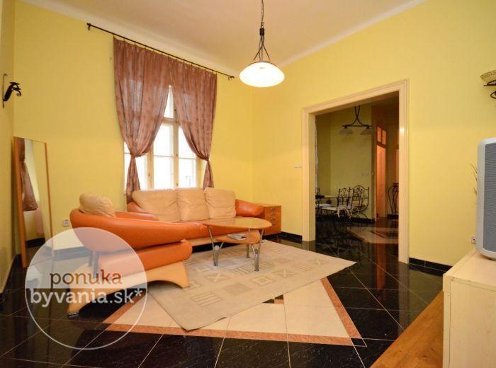 PREDANÉ - GRÖSSLINGOVA, 2,5-i byt, 75 m2 – zrekonštruovaný tehlový byt s VYSOKÝMI STROPMI, so SAUNOU, pri pasáži LUXOR.