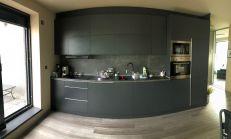 Luxusný apartmán s velkou terasou a pekným výhľadom - RAČA - vhodný na podnikanie!!