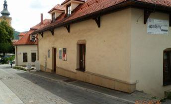 Prenájom kancelárie v centre mesta B.Bystrica na Bakossovej ulici o rozlohe 30,5 m2