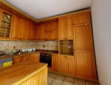 NA PREDAJ 8 izbový rodinný dom s garážou, vo vynikájúcej lolalite v blízkosti Malého Dunaja, pivnica, priestranný sklad, klimatizácia, Podunajská ulica, Vrakuňa.
