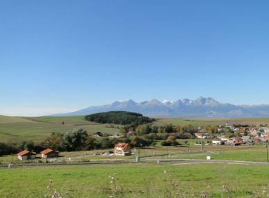 Stavebný  pozemok  vo Vlkovej s krásnym výhľadom na Vysoké Tatry