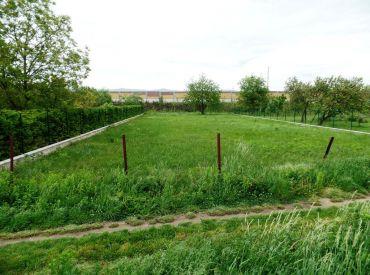 40€ / m2 - stavebný pozemok 1200 m2 INTRAVILAN - Nové Mesto n/V