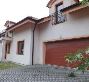 Starbrokers- PRÍLEŽITOSŤ- Predaj 6i domu v Stupave už v zastavanej a tichej a slnečnej časti Mást, novostavba, tehla, súkromie