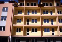 SKOLAUDOVANÉ  Posledné 2- 3izb.- 2x balkón,pivnica.Novostavba v štandarde.www.akreality.sk