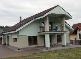 Predaj, veľký, dom na veľkom pozemku v kľudnej časti obce Badín