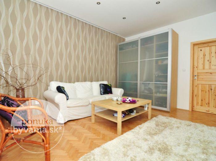 PRENAJATÉ - LEŠKOVA, 2-i byt, 57 m2 - ZARIADENÝ, kompletne zrekonštruovaný byt na prenájom, internet už v cene, PRIAMO V CENTRE