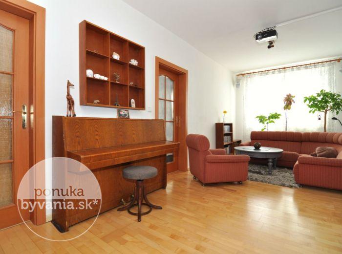 PREDANÉ - ŠEVČENKOVA, 3-i byt, 69 m2 -  pôvodný stav, priamo PRI CHORVÁTSKOM RAMENE, slnečný byt s príjemnými výhľadmi
