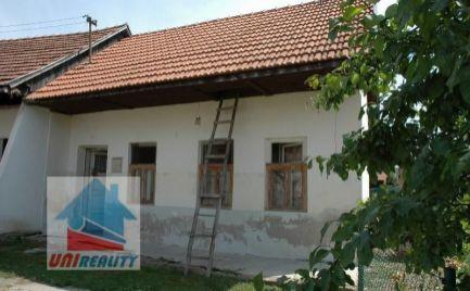 RYBANY -  útulná víkendová chalúpka / pozemok 108 m2 / okres Bánovce nad Bebravou /