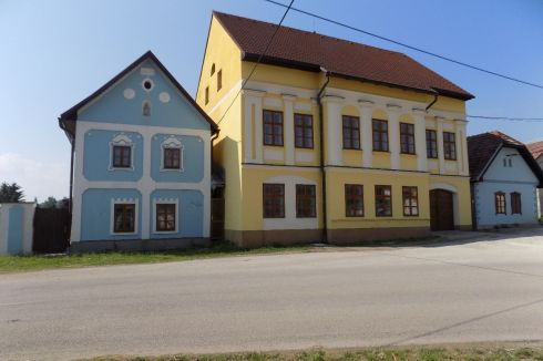 Vidiecke sídlo - Kaštieľ Valča